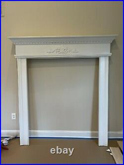 Heat-N-Glo Large gas fireplace, Excellent condition With Frame And Blower Fan